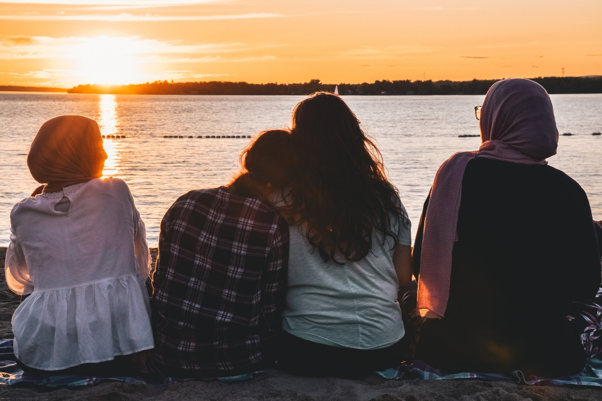 Social connections for your mental health – why we must prioritise them